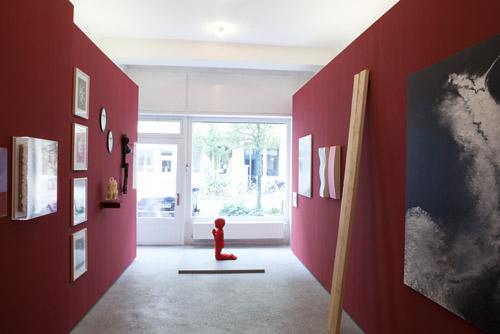 Semjon Contemporary, Takayuki Daikoko vom 19. Juli 2013 bis 17. August 2013. Straßensalon